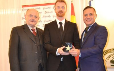 "Super-Mex Foods receives the ""Estrella de Oro"" award"